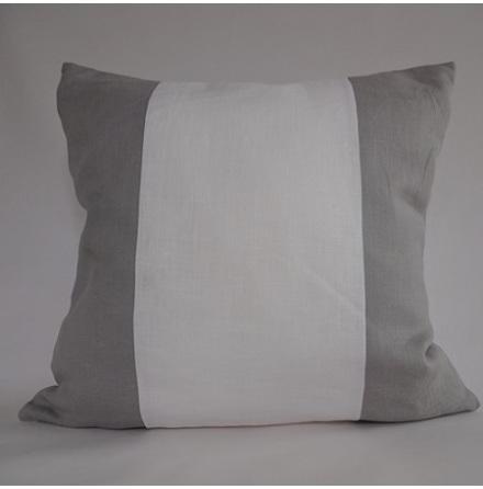 Randigt kuddfodral vitt och ljusgrått