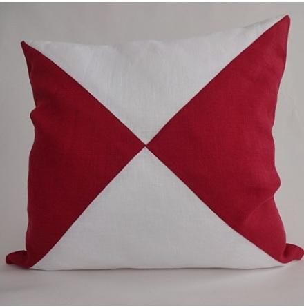 Triangelmönstrat kuddfodral vitt och rött