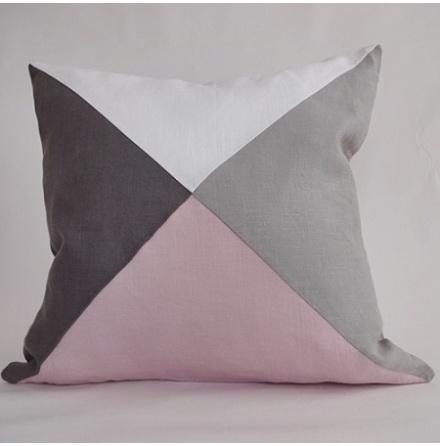 Triangelmönstrat kuddfodral multi vitt och rosa