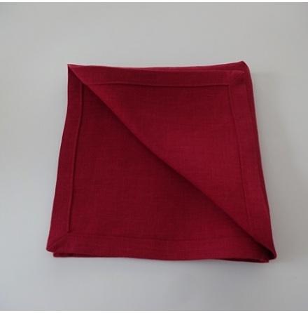 Röd servett i linne
